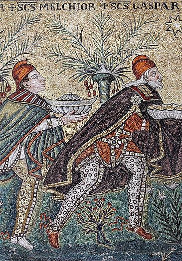 Three_Magi_mosaic_-_Sant'Apollinare_Nuov