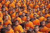 オレンジの仏教の僧侶