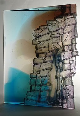 CRH 233, cast glass of cliff stack.