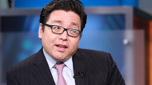 Market Strategist Tom Lee Looks to Sectors That Will Benefit From Deregulation
