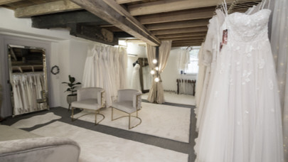yes-bridal-studio-interior-bridal-shop-c