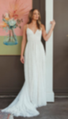 Temple_yes_bridal_studio_lace_wedding_dr