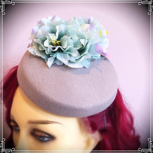 Sale! Sea foam vintage hat