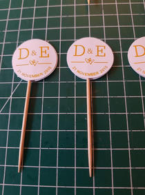 Cupcake toppers gold foil