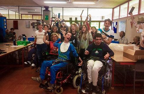 Perpetua g_case è confezionato da Agape La Fraglia, l'unica cooperativa in Italia che include al lavoro persone con qualsiasi tipo di disabilità