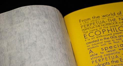 gli interni di Perpetua il taccuino sono realizzati in carta riciclata al 100%. Cover in Ecophilosophy certificata FSC-CW. Inchistri per la stampa ecologici a base di soia