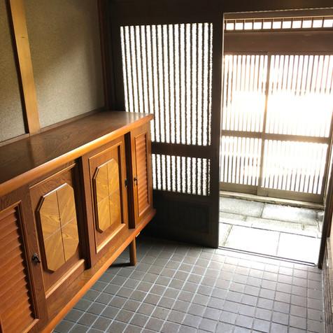 Entrance (3/5)