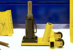 1-Standard Duty Pallet Rack Jack-Nav.jpg