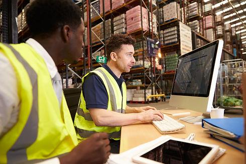 shutterstock_418619068 webinar warehouse