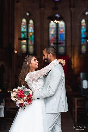 shooting-couplemariés-bouquetdefleurs-église