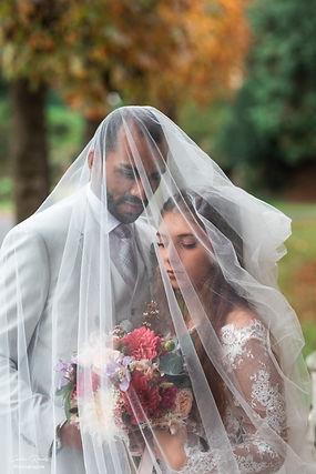 shooting couple-mariage-voile-bouquetdefleurs-mariée