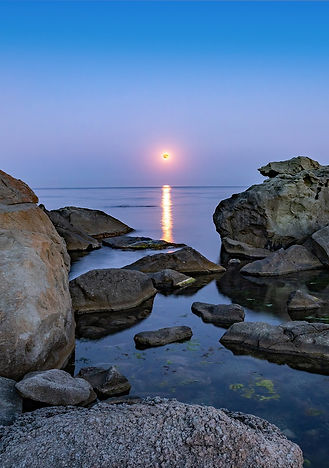 bigstock-Super-Full-Blood-Moon-And-Moon-
