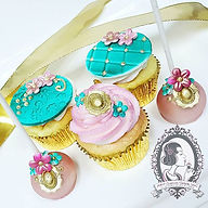 Rose Gold Treats_#yonkers #kimball #ny #westchester #delicious #custom #customcakes #mdvcustomcakebo