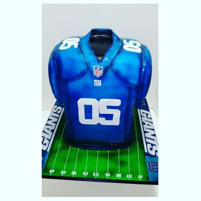 NY Giants Jersey Cake