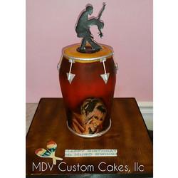 Celia Cruz inspired Conga_#mdvcustomcakeboutique #mdvcustomcakes #conga #celiacruz #alledible #hands