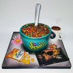 Favorite Things Cake_#favoritethings #fruitypebbles #goldfish #houstonastros #daisies #mdvcustomcake