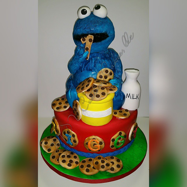 Sculpted Cookie Monster Cake