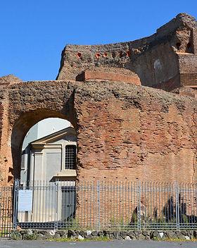 mausoleo elena.jpg
