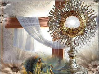 L'Adorazione Eucaristica fonte di guarigione altro che New Age, reiki, o yoga.