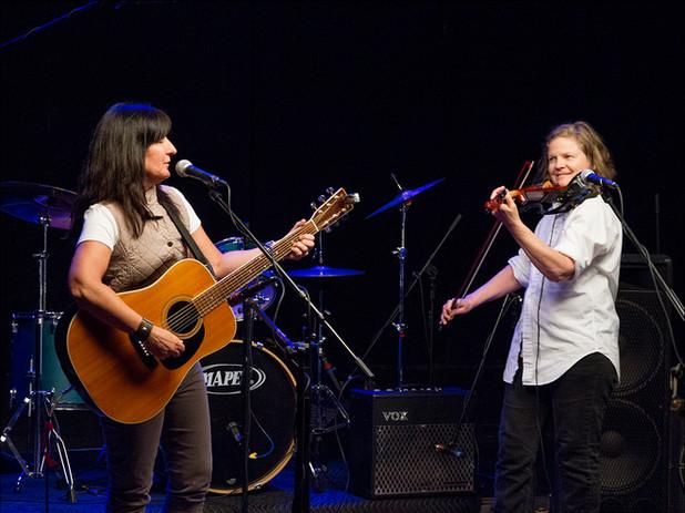Lisa Bonner + Sarah Greene