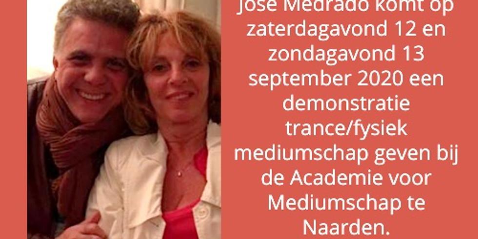 Medium José Medrado