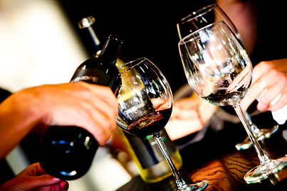 A fun indoor and outdoor activity that takes you through different venues where you will have a unique sensory experience by tasting an exclusive selection of wines.