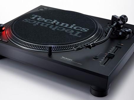 Technics relaunches legendary DJ turntable with SL-1200 MK7