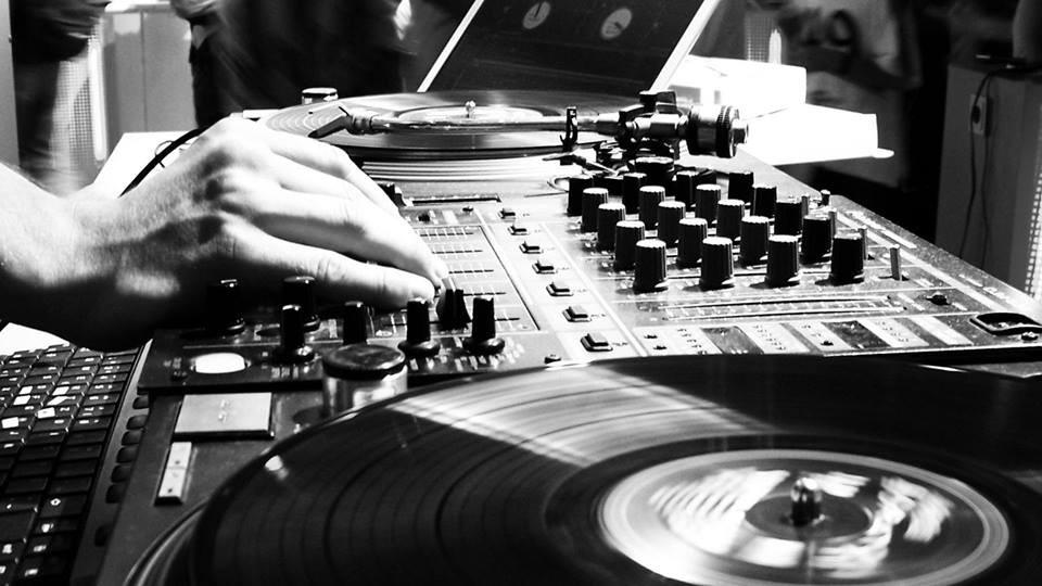 DJ 90's