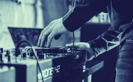 DJ's, keep your self marketable to audiences & promoters