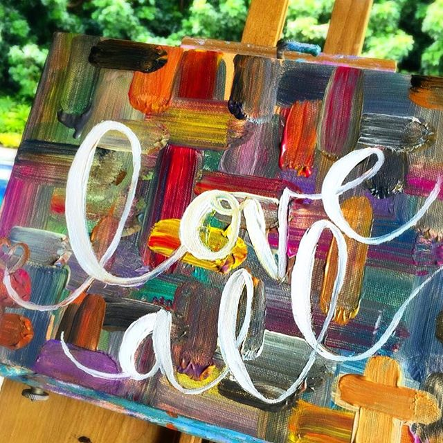 Happy Sunday! So many colors, so many possibilities. Love life, love all. Just realized this seems a