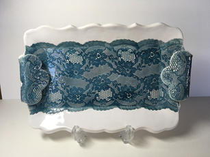 Small 'Lace' Platter (display standview)