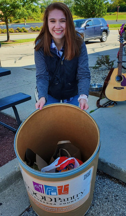 Catelyn Picco, 2020 Musical Food Drive at Vintage Grounds