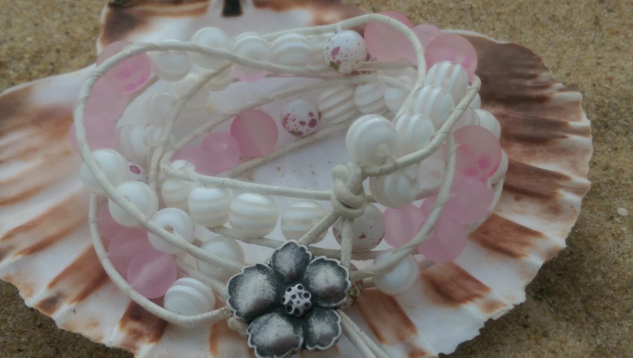Leather & rose white wrap bracelet