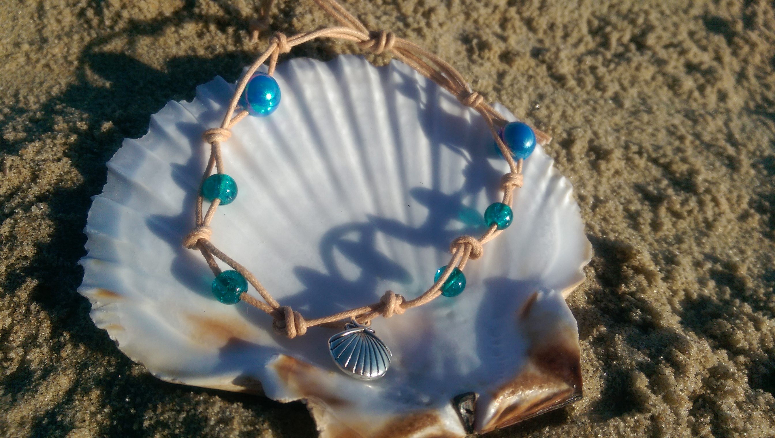 Simple blue & green beaded bracelet