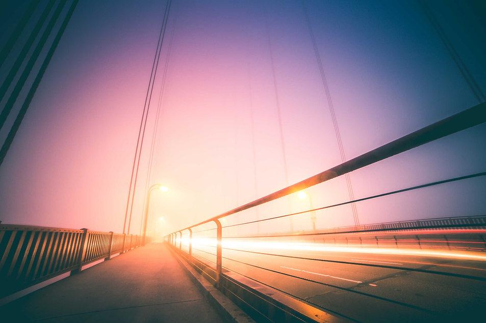 golden-gate-bridge-abstract-night-foggy-