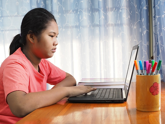 Kids-Hack-Labs-Senior-Girl.png