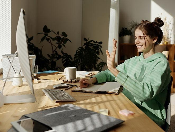 girl-online-coding.jpg