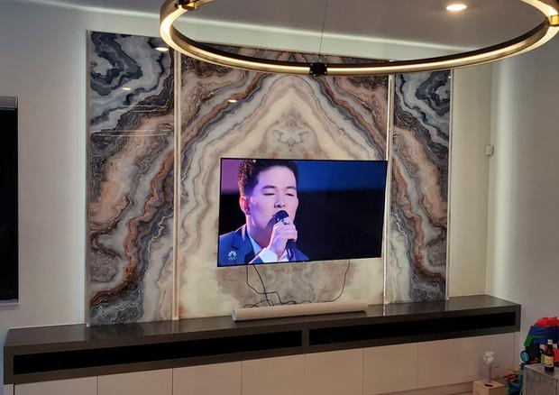 Lighted Acrylic Entertainment Center Fea