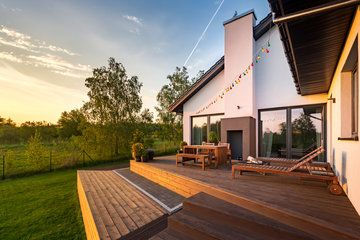 Backyard Multi Tiered Wood House Deck.jp