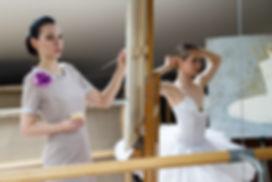 Художник Елена Бегма рисует балерин, картины с балеринами, купить картины для интерьера, картины о балеринах, балерины в живописи, современный художник рисует балет