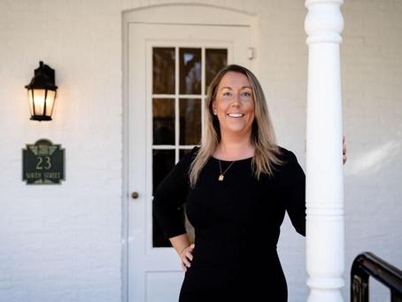 Female funeral director breaks down barriers
