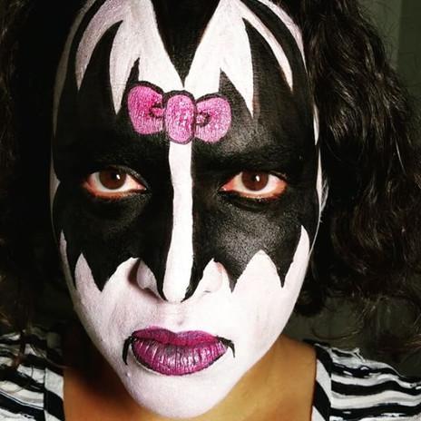 Hello Kiss_#kisshellokitty #kiss #nanyca