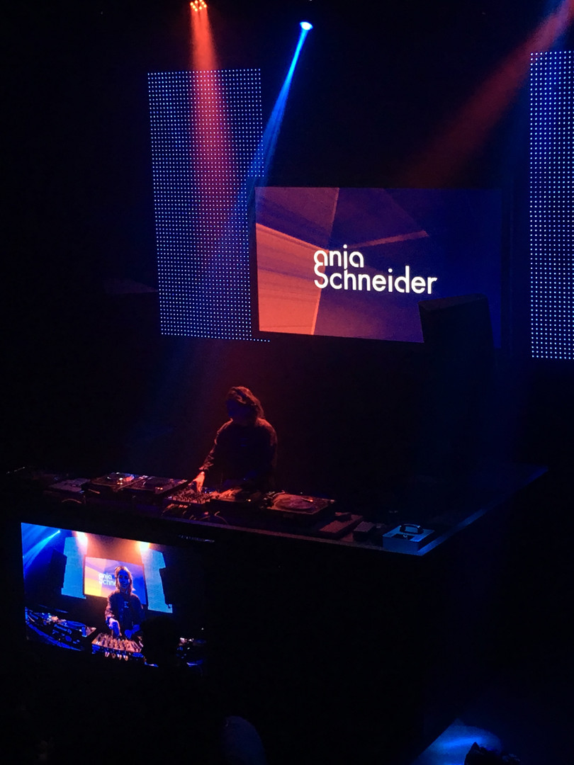 """""""Anja Schneider"""" playing at CUE Club"""