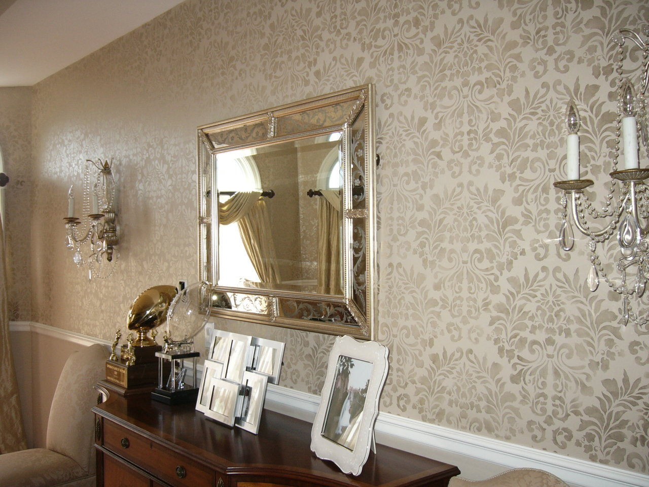 wallpaper for dining rooms. inspiring rooms with wallpaper with