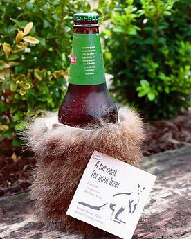 BEER COAT – WALLABY FUR STUBBY HOLDER