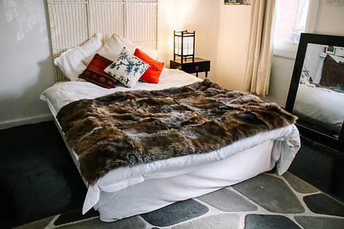 WALLABY FUR BED SPREAD – DOUBLE BED