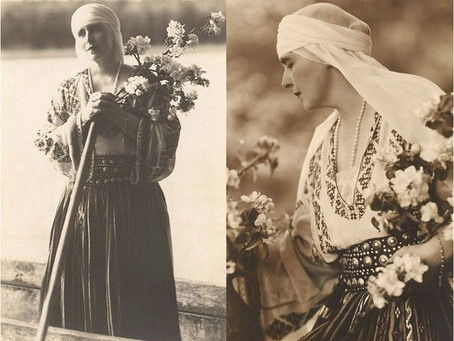 IA - The Romanian Blouse (A synthesis of tradition and modernity)