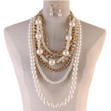 Layered Pearl and Chain Necklace
