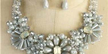 Cloudy Beaded Flower Necklace