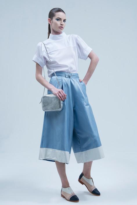 Blusa blanca y pantalón